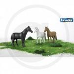 BRUDER - Figurine animaux un Cheval (brun, blanc ou noir)