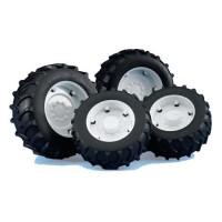 Jeu de roues jumelées avec jantes blanches