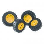 Jeu de roues jumelées avec jantes jaunes